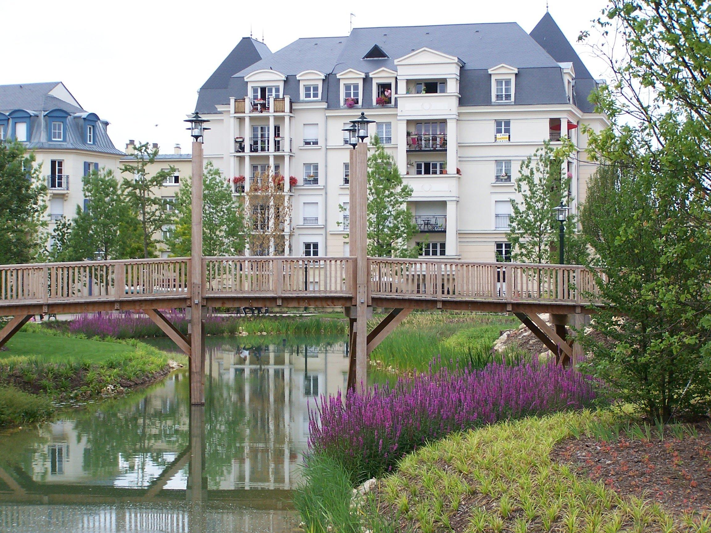 F visitez la cit jardin f3 courcelles plessis robinson - Piscine du plessis robinson ...